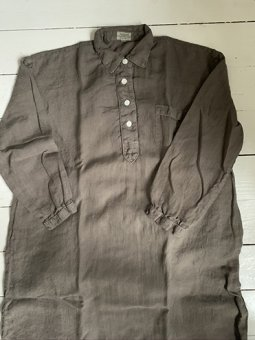 Nightshirt in linen olive