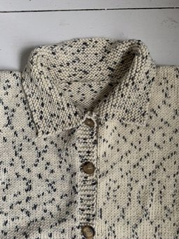Hand knitted cardigan with collar