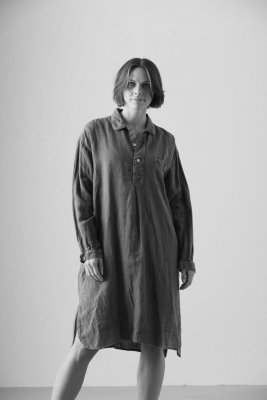 Nightshirt in linen black