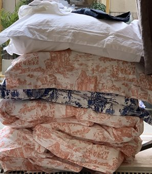 Duvet cover in pin toile de jouy
