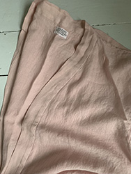 Nightshirt in linen pink